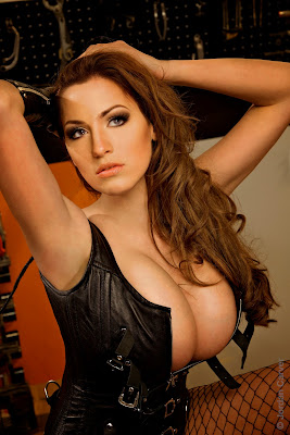 Sexy Internet Sensation Jordan Carver