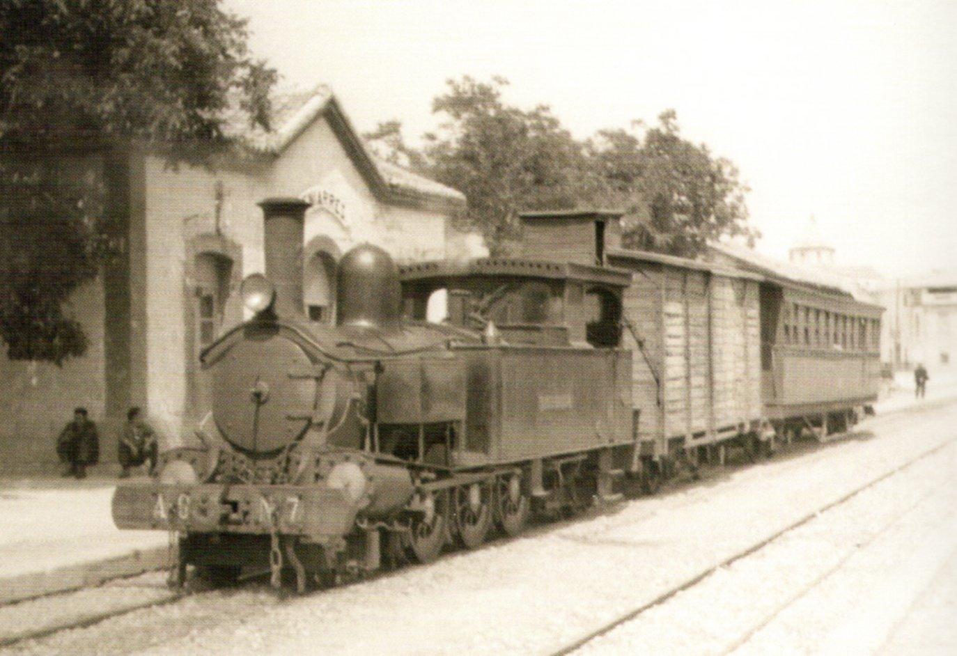 Locomotora 7 Cocentaina a l'estació de Beniarrés