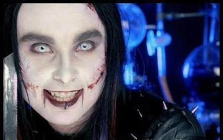 cradle_of_filth-dany_filth_portrait_photo