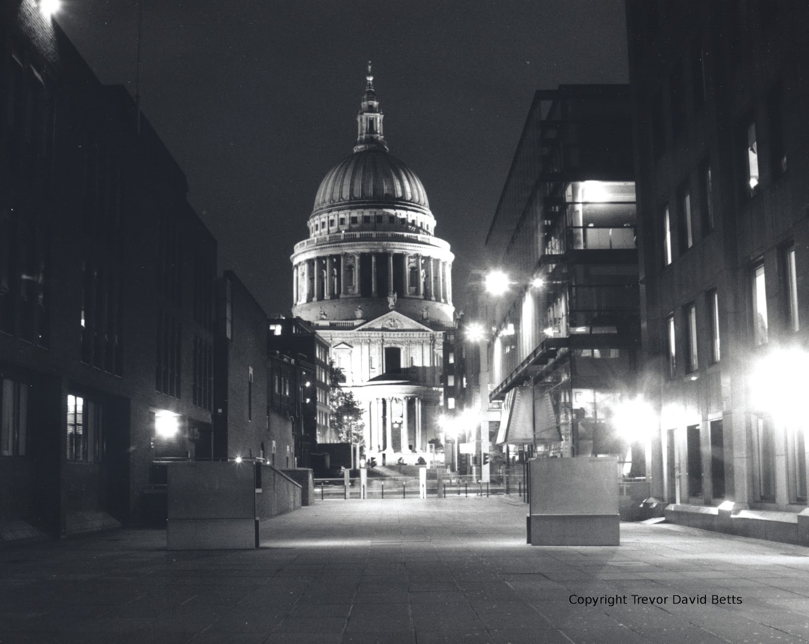 the blitz and st pauls cathedral essay