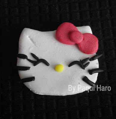 Broche Hello Kitty realizado en fimo