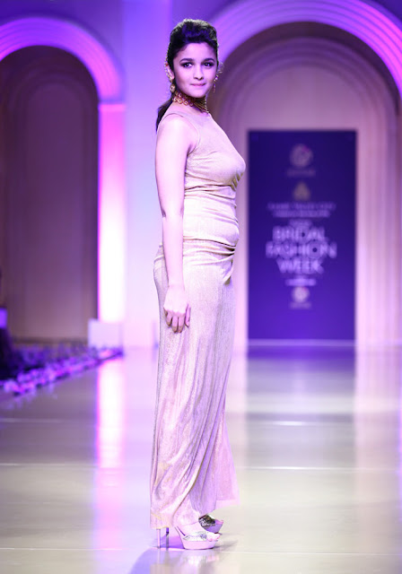 hot alia bhatt walk IBFW 2013