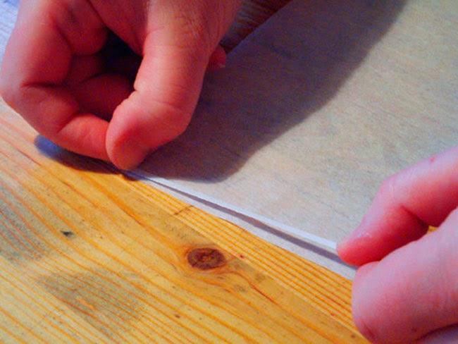 Cinta de doble cara para unir cada papel de seda con un folio