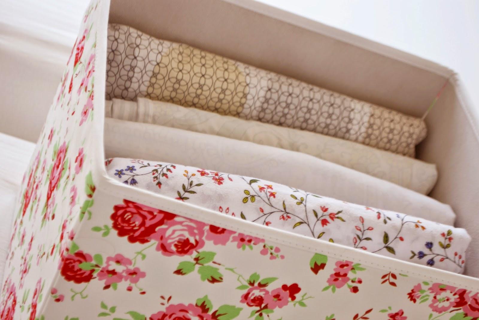 geordnete bettw sche ab in die box iby lippold haushaltstipps. Black Bedroom Furniture Sets. Home Design Ideas