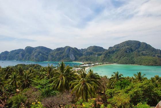 Ko Phi Phi Inseln an der Westküste Thailands