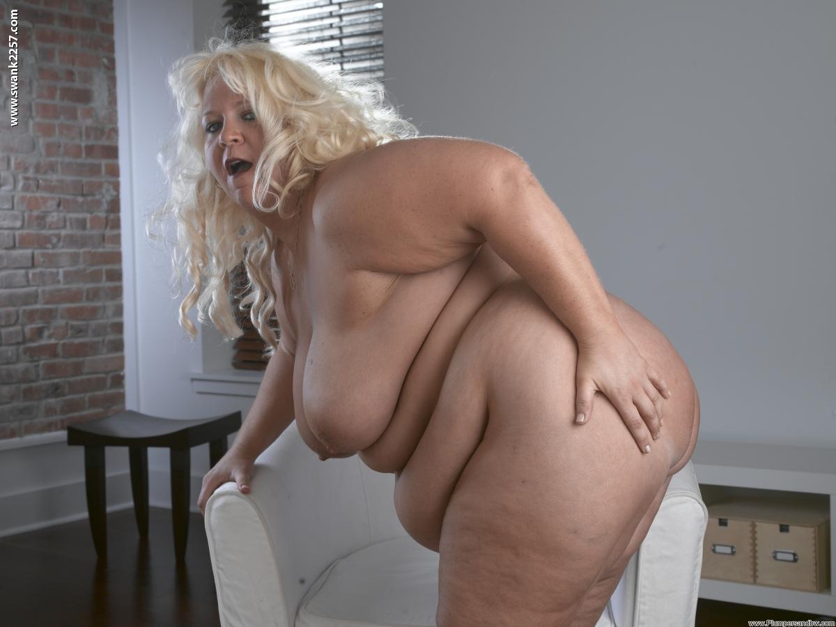Фотографии толстушек голых, Пухлая пизда голых толстушек 3 фотография