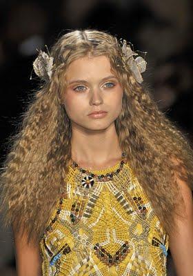 accesorios+hebillas+con+flores+peinados+2013