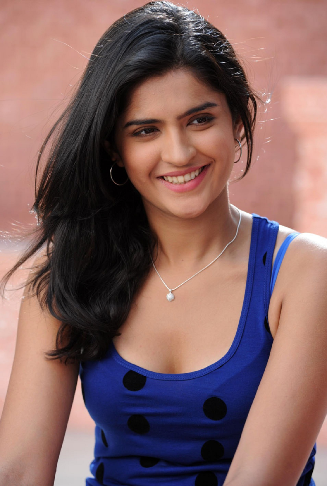 Get Complete Biography Of Surabhi New Tamil Actress After Being Recommended To Seek Acting Opportunities In The South Indian Film Filmibeat In Other