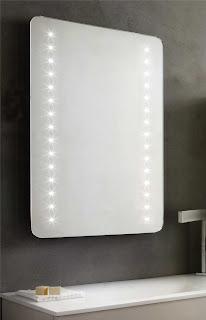 http://shop.outletarreda.com/bagno-lavanderia/specchi-da-bagno/specchio-h-70-cm-angoli-arrotondati-retroilluminato-a-led-con-antiappannamento-art-1139.html