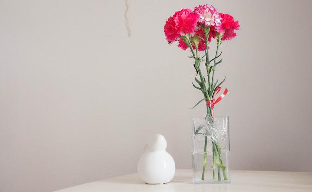 Bouquet de fleur et lapin
