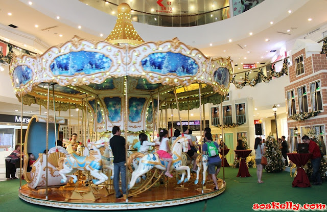 Deck The Halls Night 2015, Empire Shopping Gallery, LED Christmas Tree, Christmas Carousel,