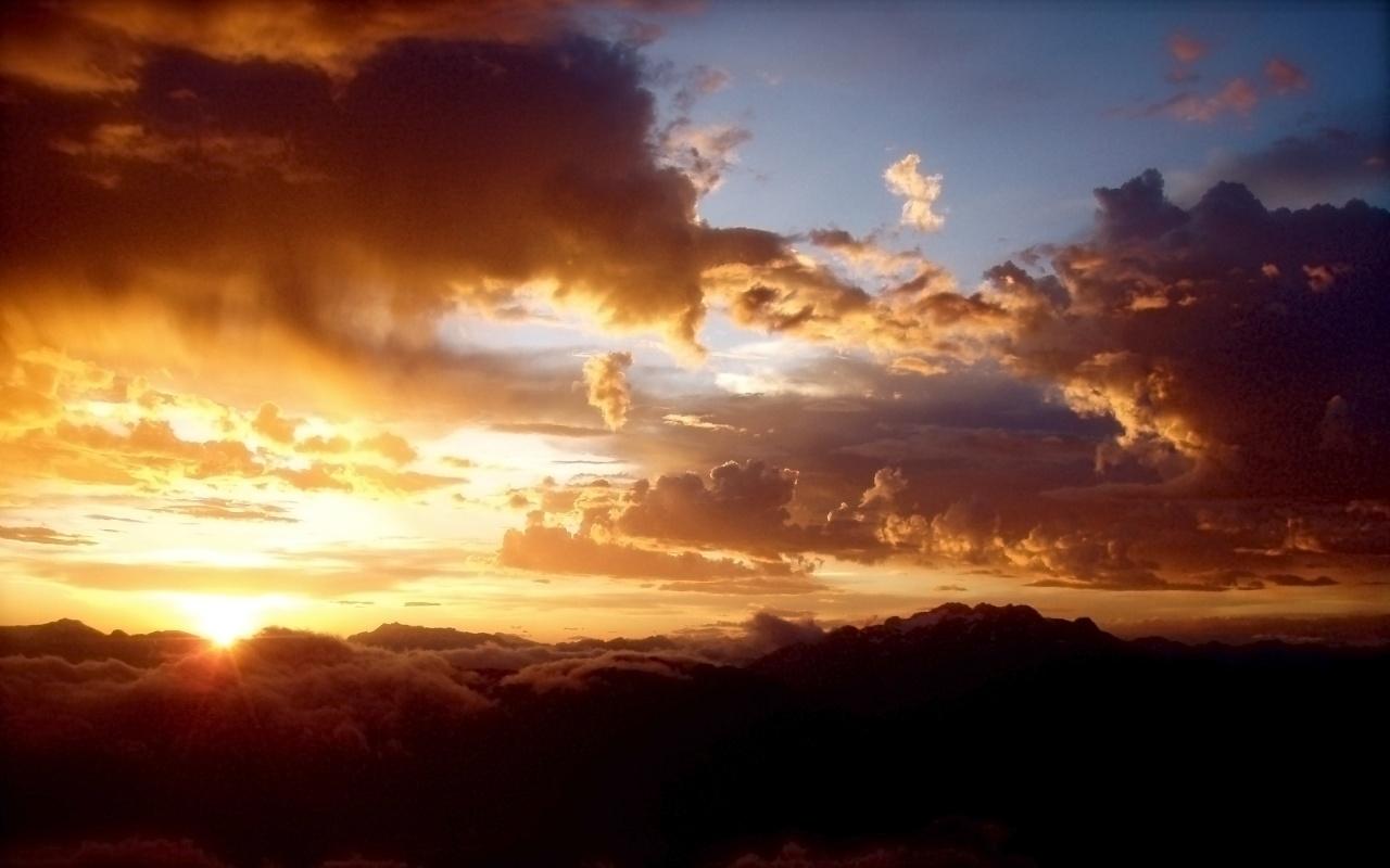 http://4.bp.blogspot.com/-tg8RsfZQpoc/TntH-pDHqnI/AAAAAAAAAcU/71HlLASBtAs/s1600/brown-storms-wallpaper.jpg