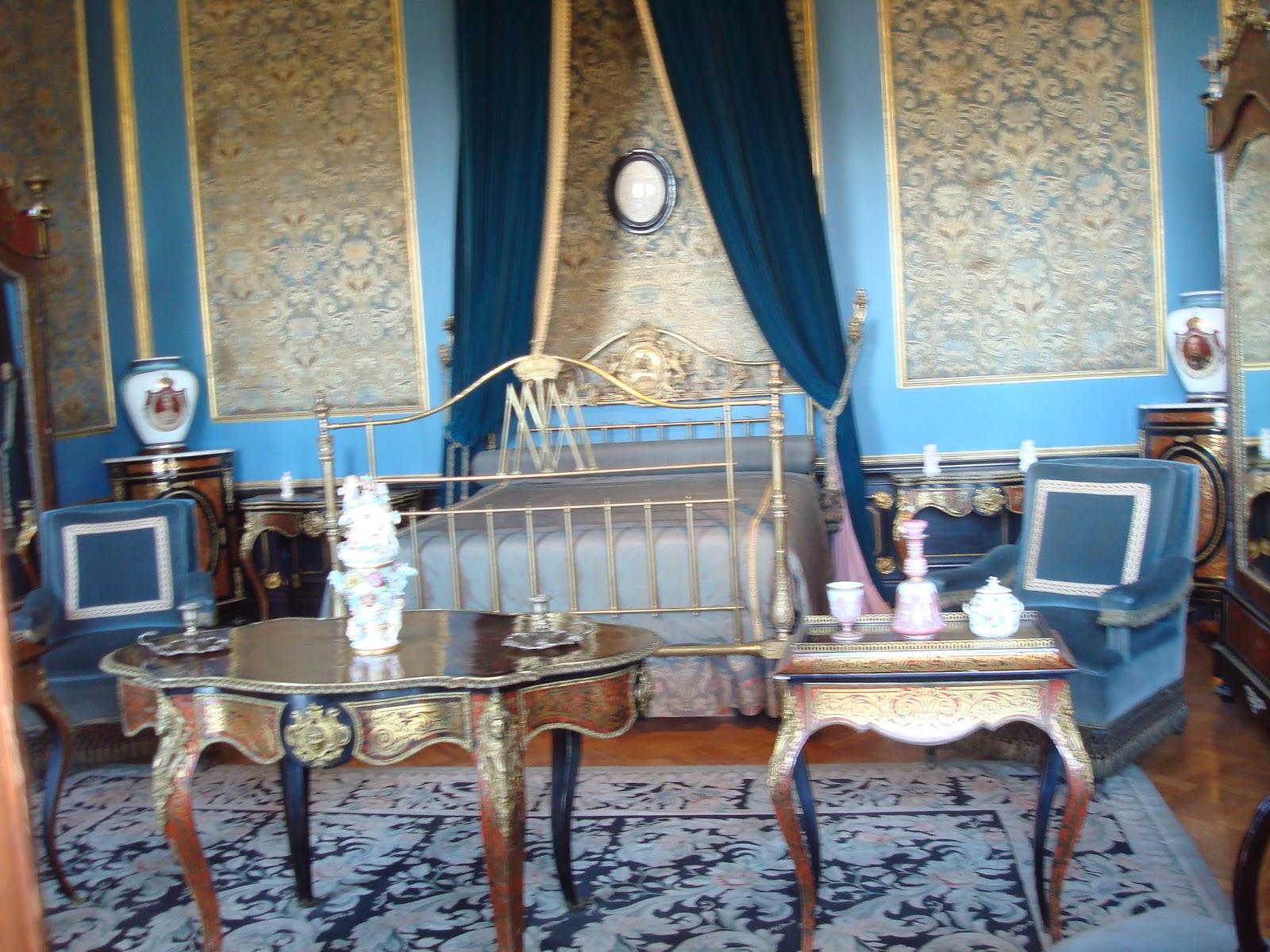 sancarlosfortin: muebles de carlota y maxi miliano en salones del ...