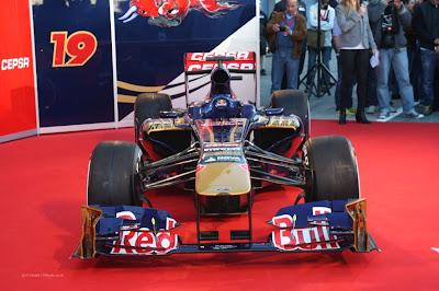 toro+rosso+str8+formula1+2013