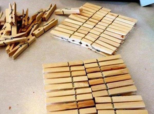 Haz un portaretratos con ganchos de madera lodijoella for Ganchos de aluminio para ropa