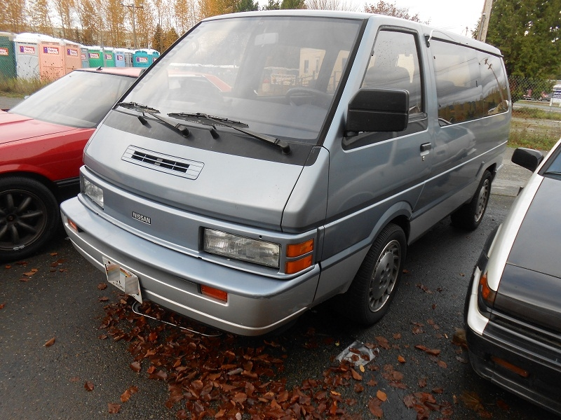 Seattle 39 s parked cars outside garage autohero pt 4 1988 for Garage nissan gex