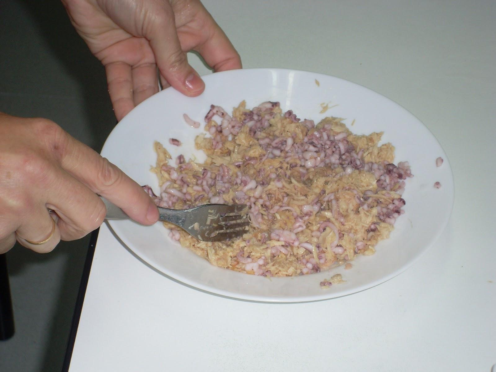 La cocina de pilar manzano chipirones rellenos - Chipirones rellenos en salsa de tomate ...