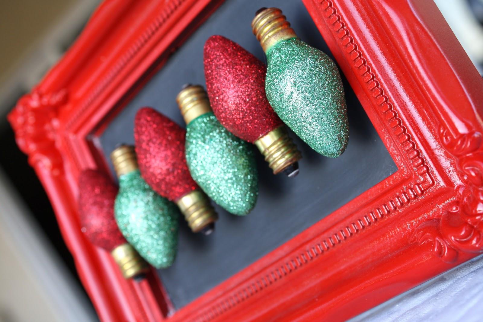 Glitter} Christmas Light Magnets