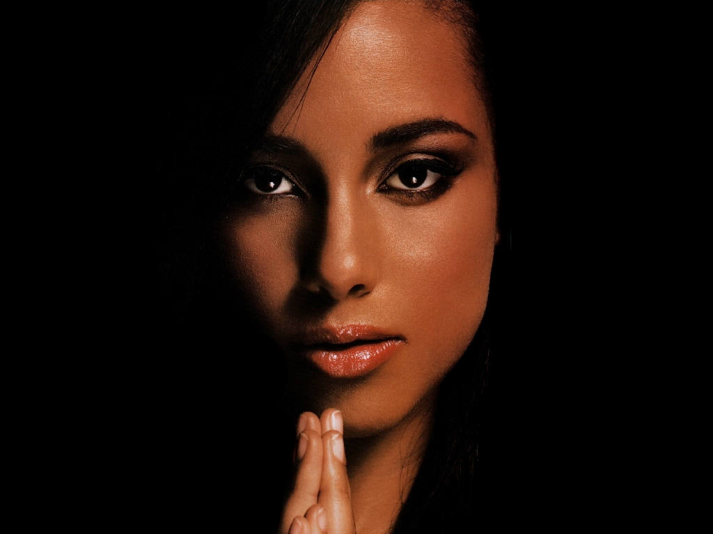 http://4.bp.blogspot.com/-th3906V41pU/T2h87QOyZdI/AAAAAAAAA1Q/X4S9LR5yWXw/s1600/alicia-keys-vocal.jpg