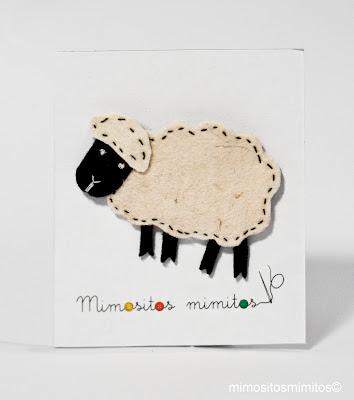 broche de fieltro hecho a mano de oveja Dolly