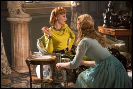 Cate Blanchett y Lilly James en Cenicienta (Kenneth Brannagh, 2015)