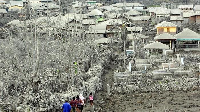 Gunung Sinabung Meletus  Reporter TV One Tewas Kena Awan Panas Sinabung