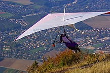 Hang glider just after take off.  Courtesy of Wikimedia