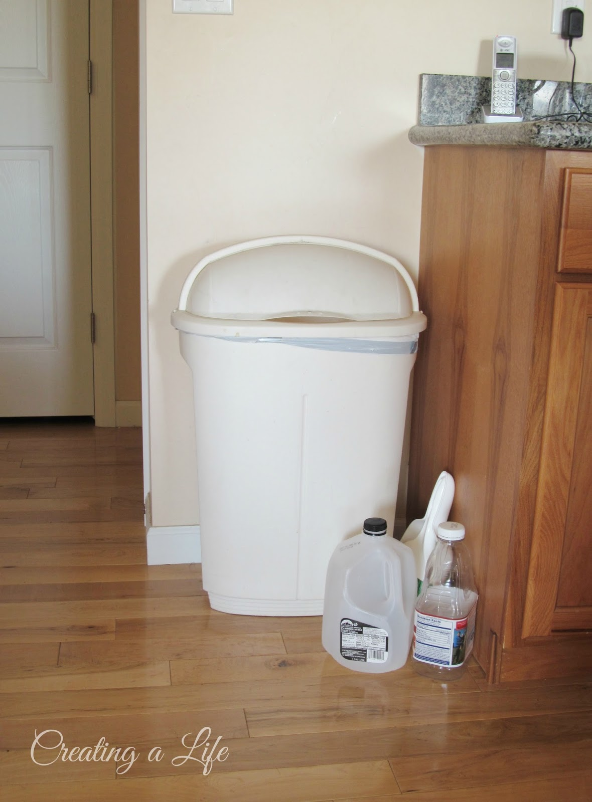 CabiStyle Kitchen Trash Cans