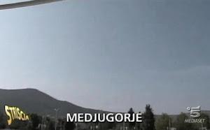 A Striscia la notizia l'apparizione della Madonna a Medjugorje: video del 9 maggio 2013