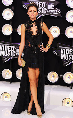 10 Best Fashion at MTV VMA 2011: Selena Gomez