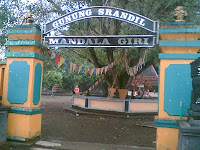http://juragansejarah.blogspot.com/2012/02/sejarah-gunung-srandil-cilacap.html