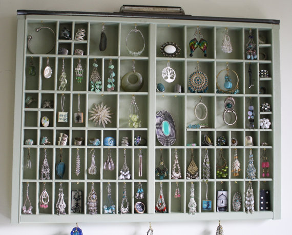 Here S A Fun Storage Solution For Your Favorite Earrings Cloud9jewels Has Repurposed And Painted An Old Printer Drawer Uses The Small Compartments To