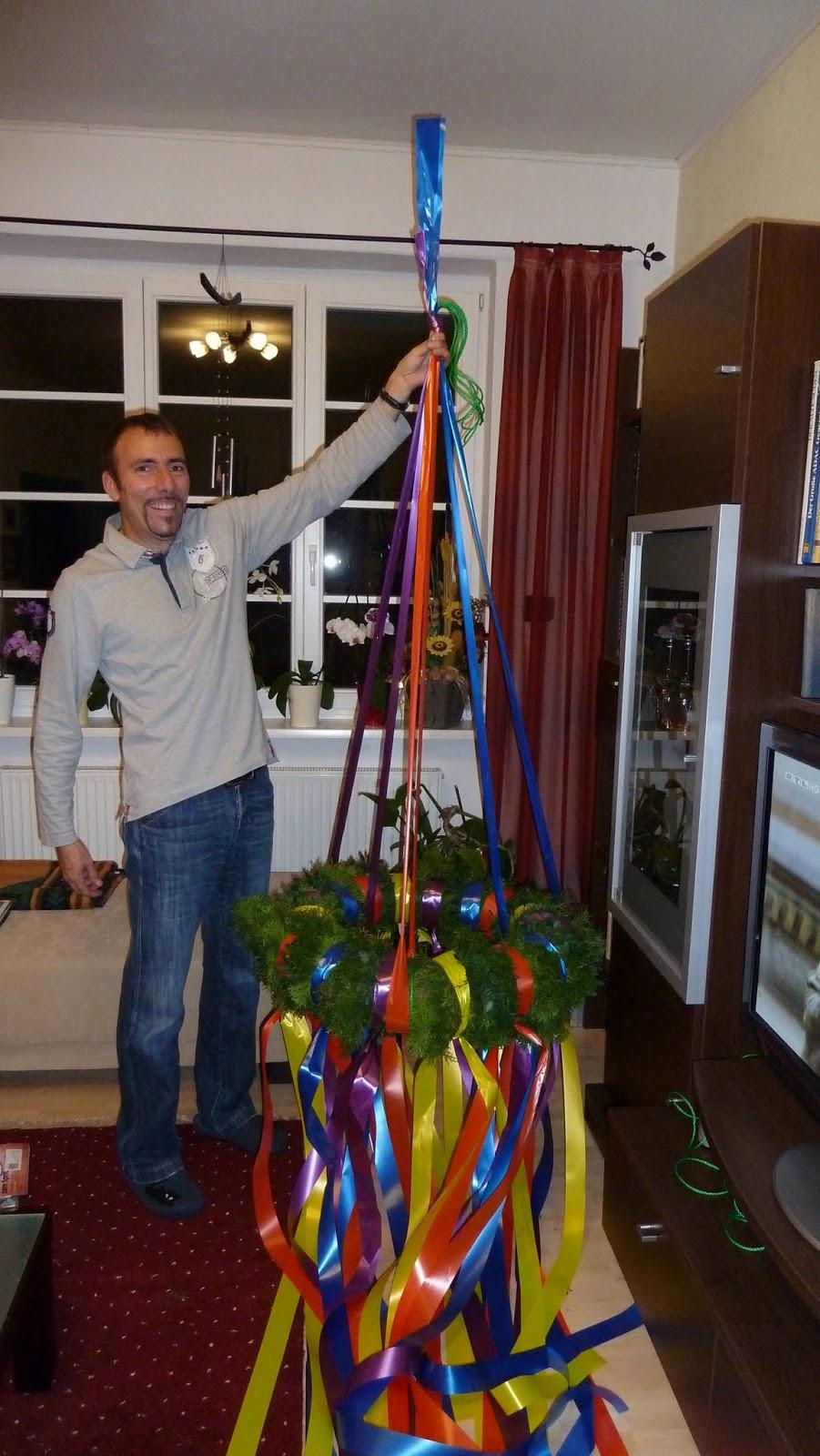 Hausbau von christian und jeannette mit der firma deko hausbau gmbh tag 40 richtfest - Richtfest deko ...