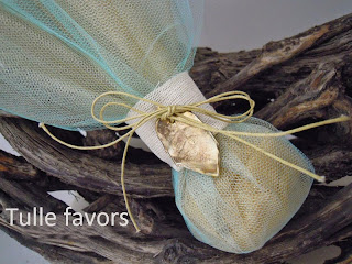 Wedding favors with tulles