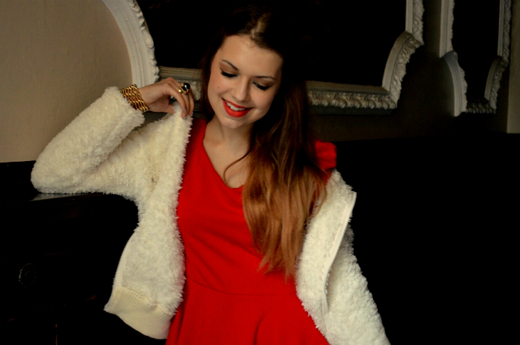 smile girl reddress jasmin myberlinfashion nowistyle outfitpost
