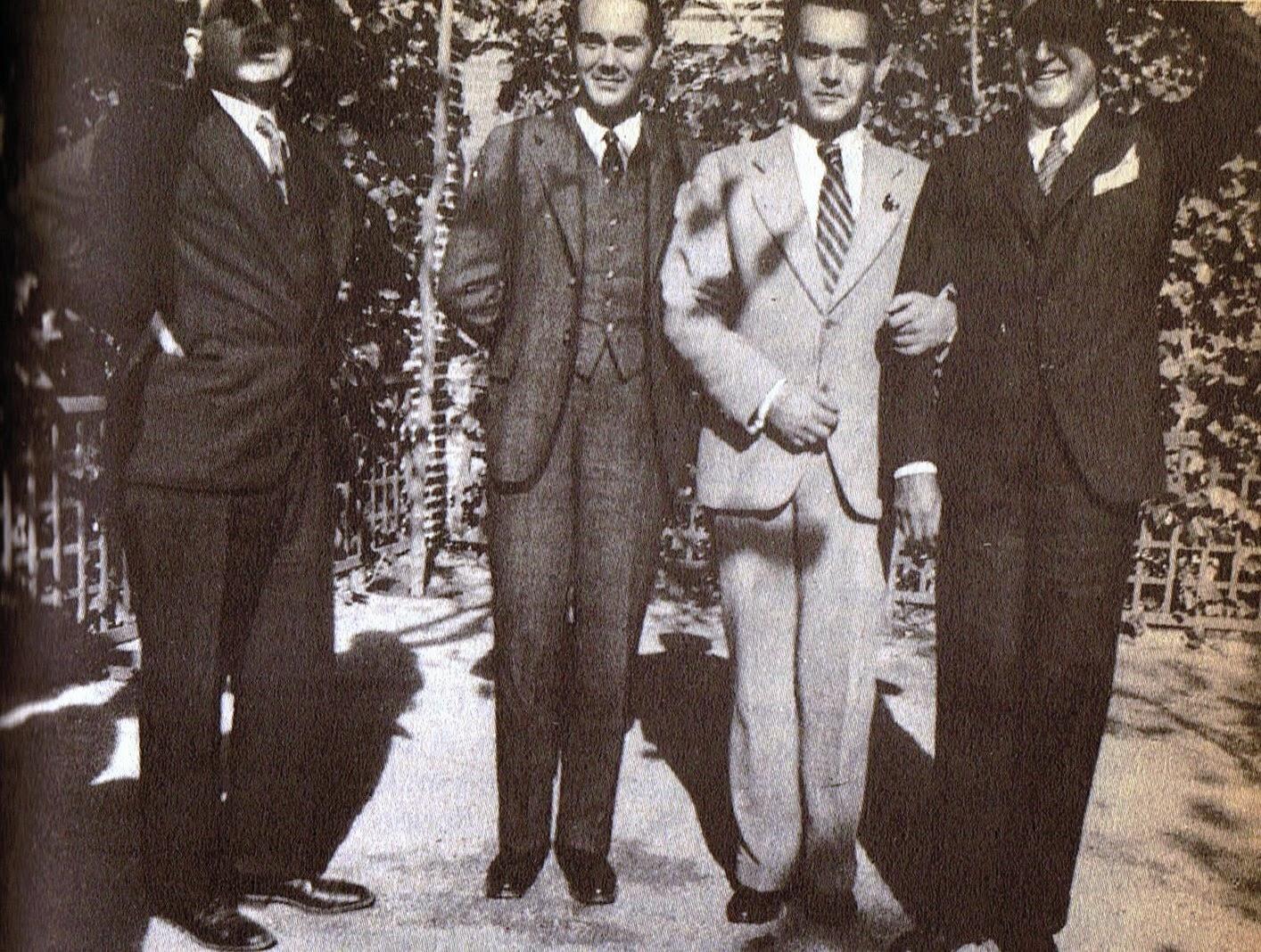 Lorca en Madrid en 1931 junto a otros escritores  del 27
