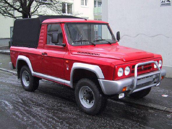 Romanian model ARO 242 front