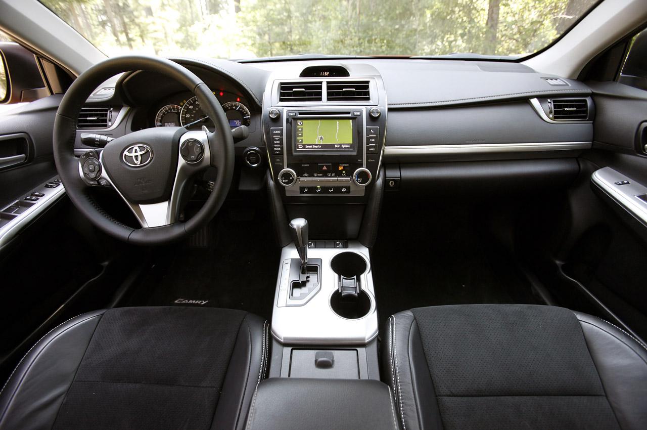 Tudo sobre o Toyota Camry 2012