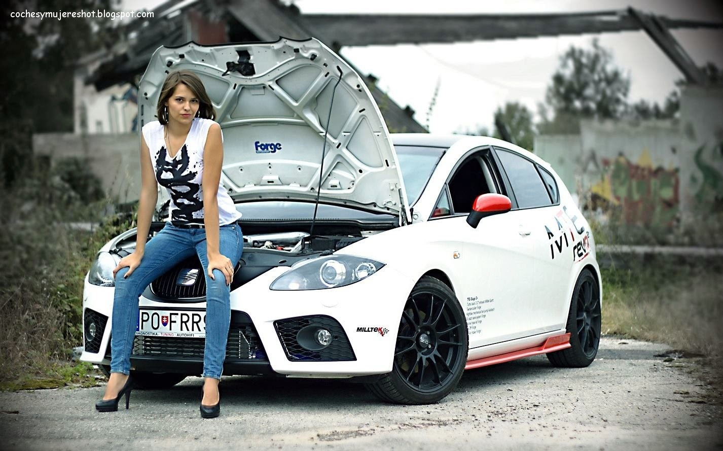 http://4.bp.blogspot.com/-tid2eqjsWFc/UZuAAQtHbQI/AAAAAAAABcI/L4A9esj1KFU/s1600/seat-spain-car-girl-babe-lady-woman-best-vehicle-motor-beautiful-wallpaper-desktop-screen-mobile-cell-photo-cool.jpg