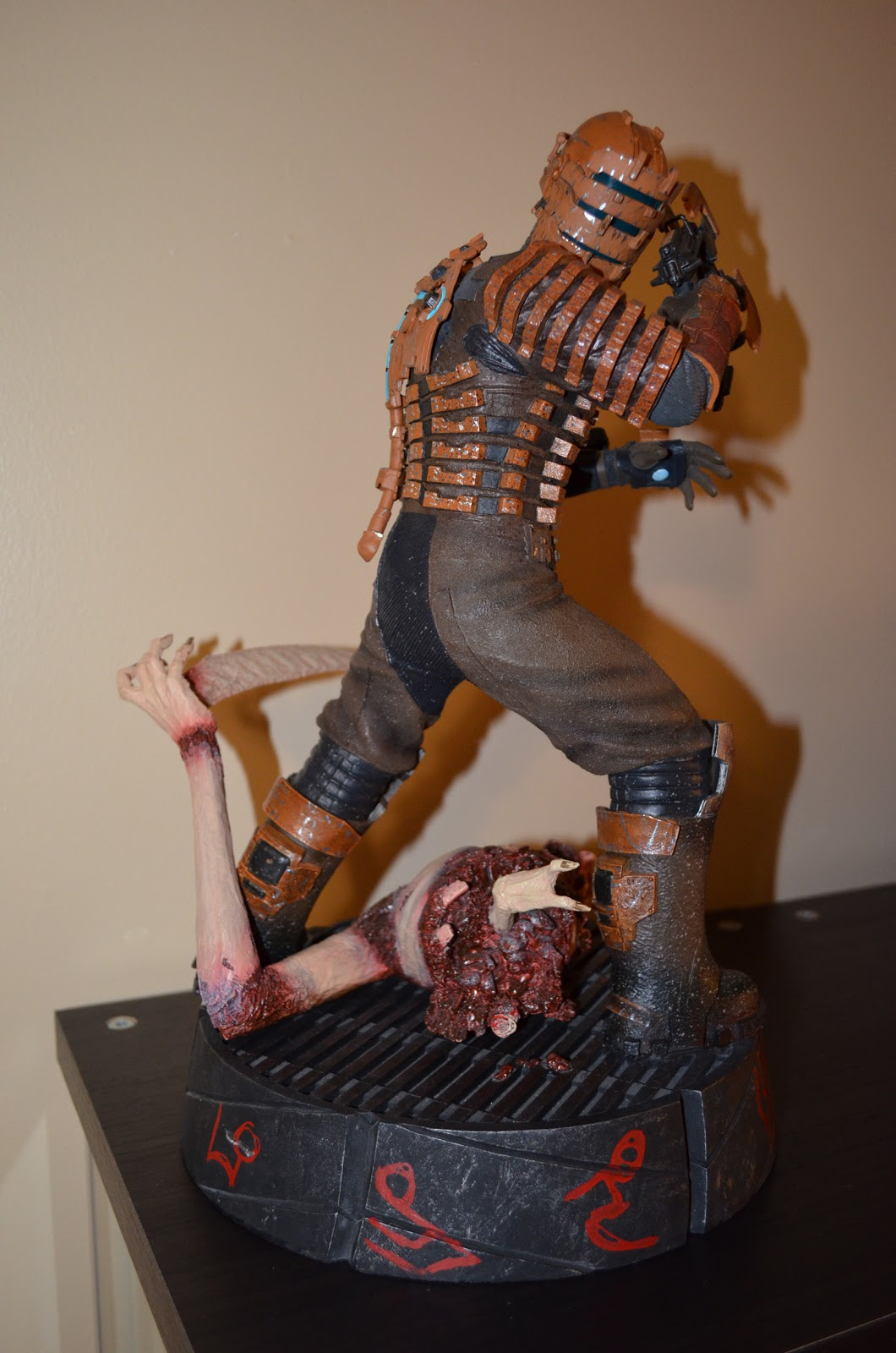 theevilempire  dead space isaac clarke polystone statue