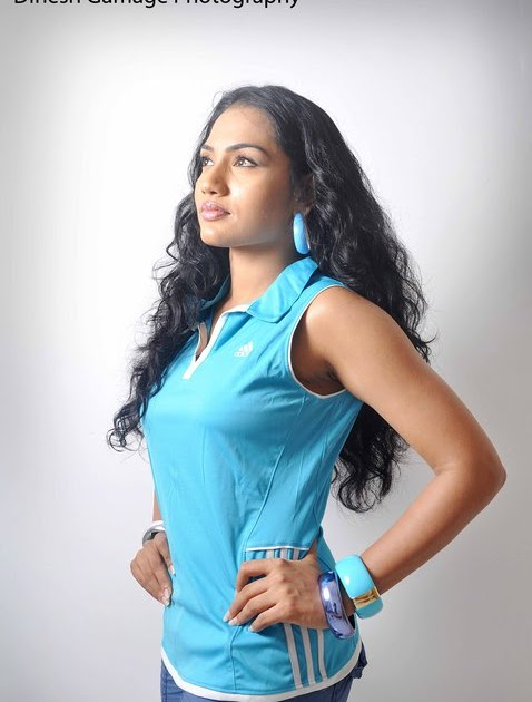 Chathurika Peiris Chathurika Is In Blue Shirt Metal