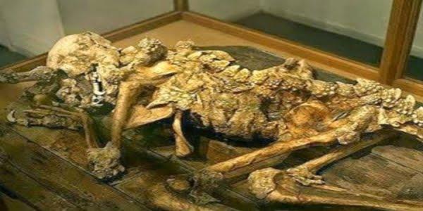Ανθρώπινος απολιθωμένος δράκος - Η απόδειξη ότι τα ερπετοειδεί δεν είναι μύθος [Εικόνες-Βίντεο]