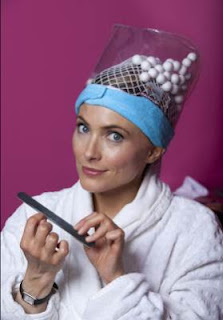 А что это за неведомая фигня у неё на голове? Это Hairwush!