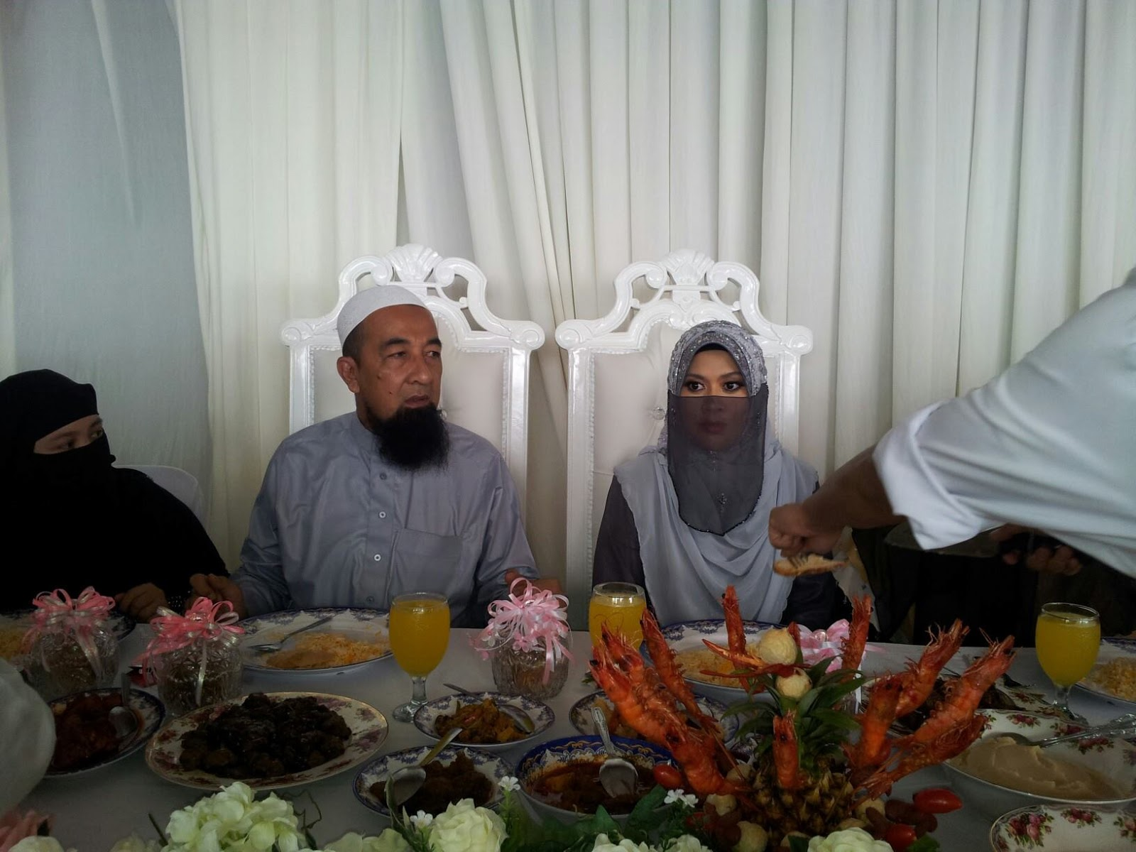Lain-Lain : Anak saudara kepada Tuan Hj. Omar bin Taha