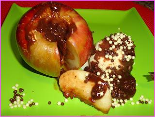 maçã assada recheada com chocolate