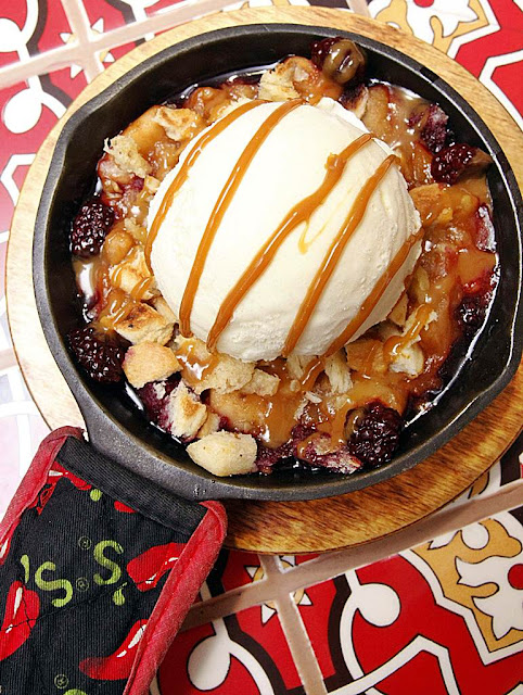 Apple Berry Cobbler