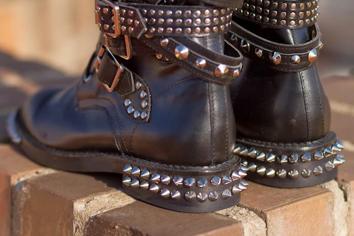 Botas con pinchos y tachuelas clon Saint Laurent AW13