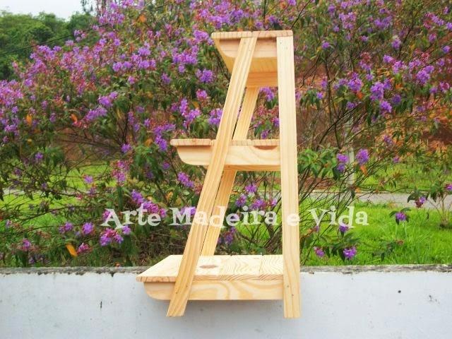 escada madeira para vasinhos