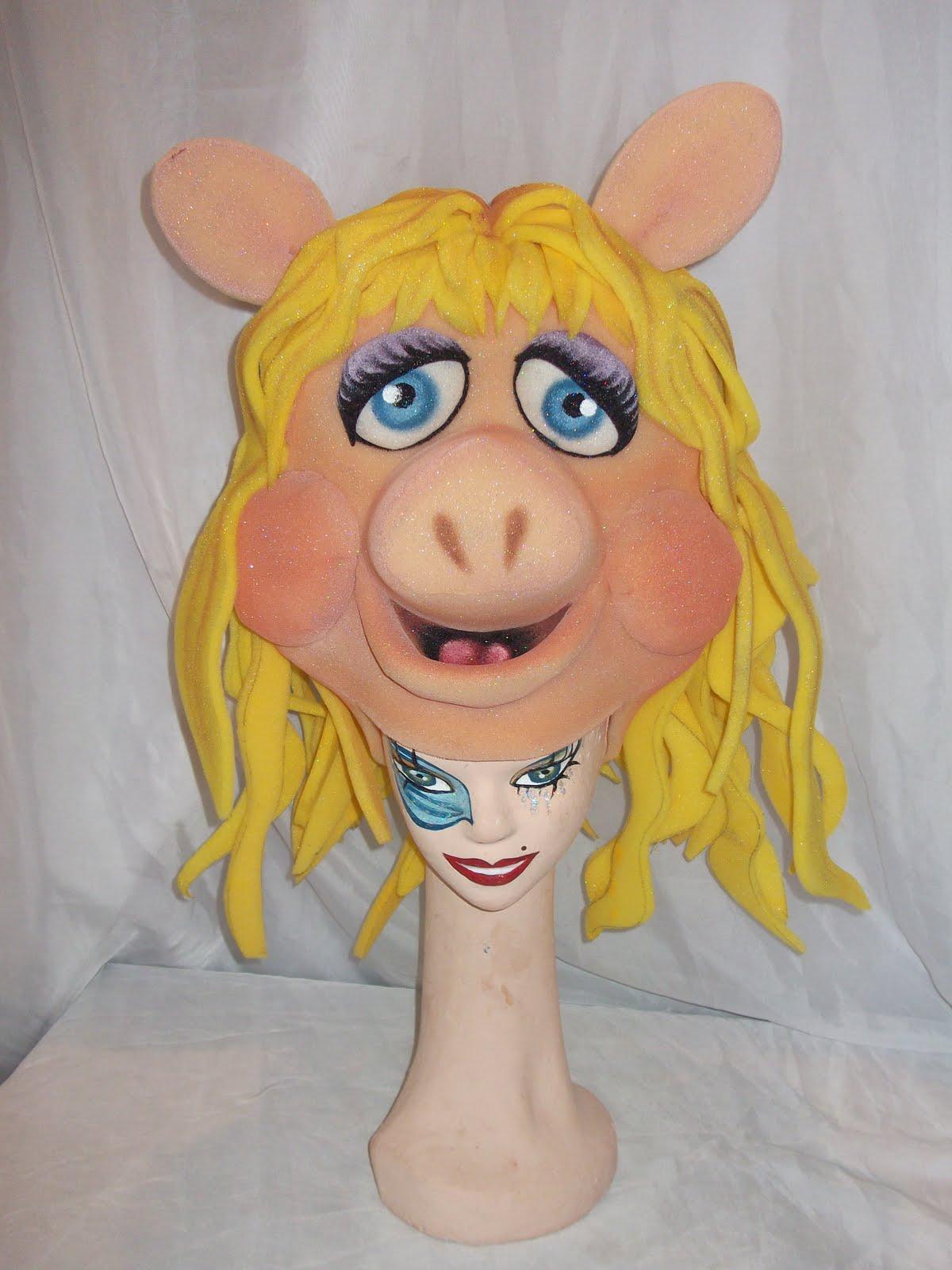 Gorro de goma espuma de Mss Piggy