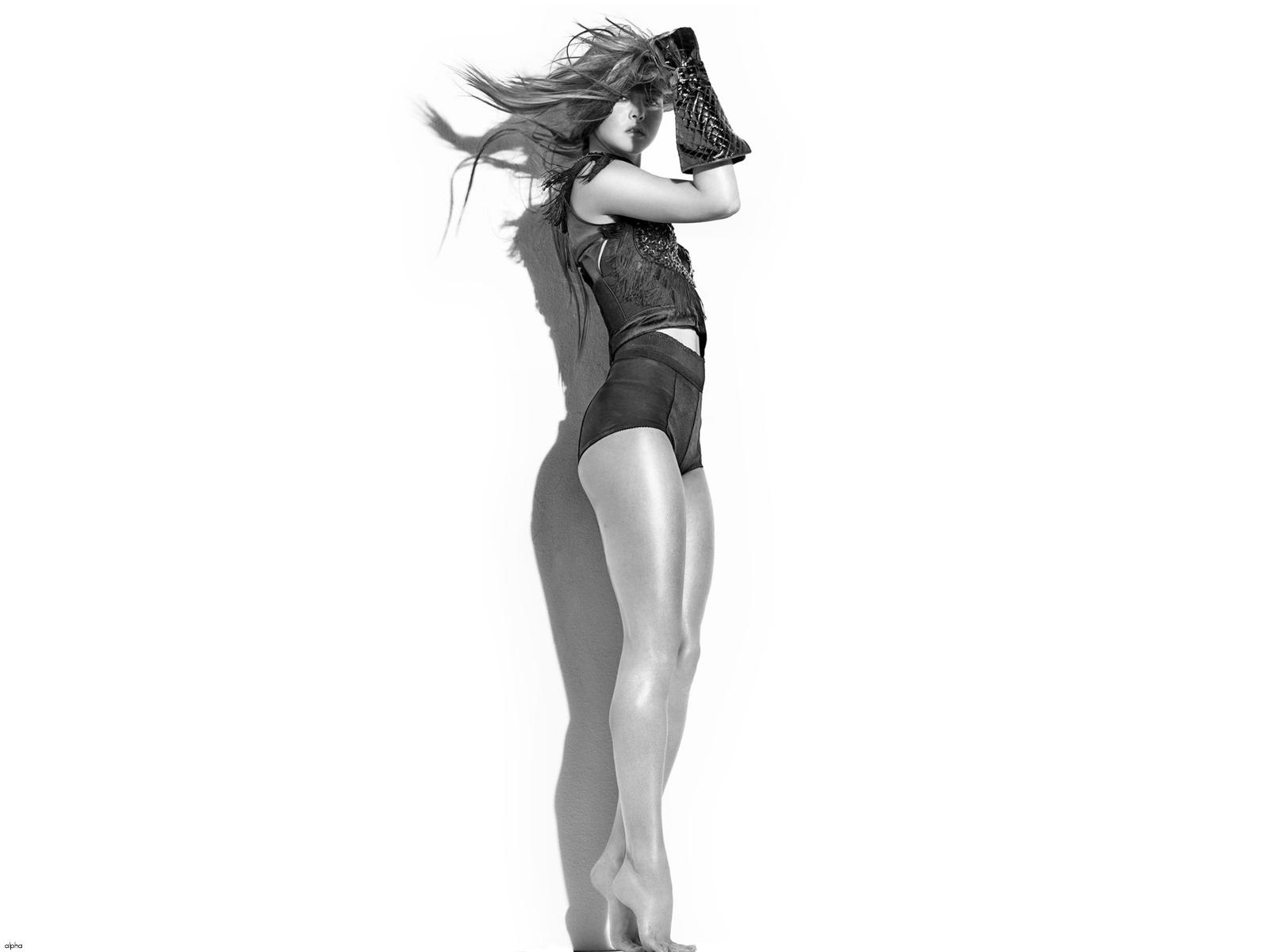 http://4.bp.blogspot.com/-tjwjQJcAkPk/T7TmvOd5XkI/AAAAAAAAQwM/-Qk905Dg4bc/s1600/devon_aoki_leggy_bustier_shorts_wallpaper.jpg